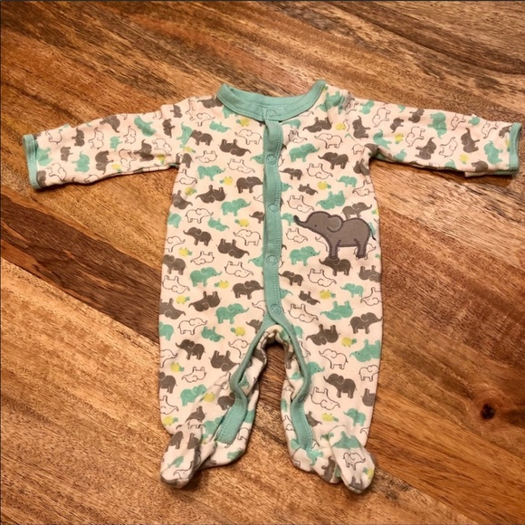 Carter's Other - 🐘 pull back mitten footed onesie 🐘